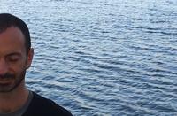 Juan María Benítez meditando -mindfulness-inspiradia-entrenamiento-atención-formación-conferenciante-inteligencia-emocinal-gestión-estrés-meditación-empresas