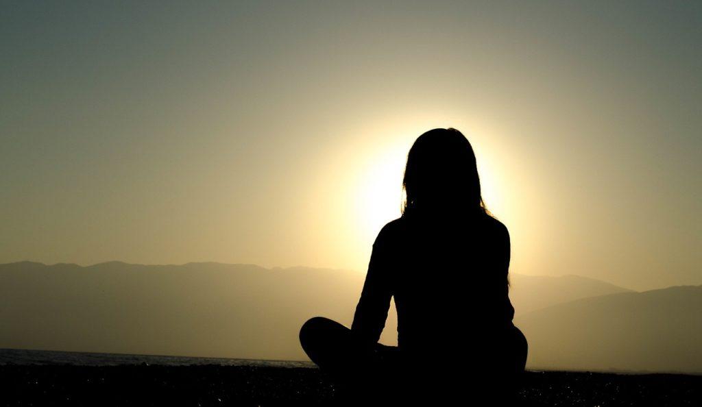 Atardecer-meditación-atardecer-meditación-mindfulness-formación-inteligencia-emocional-salud-inspiradia-juan-maria-benitez-conferenciante-empresa